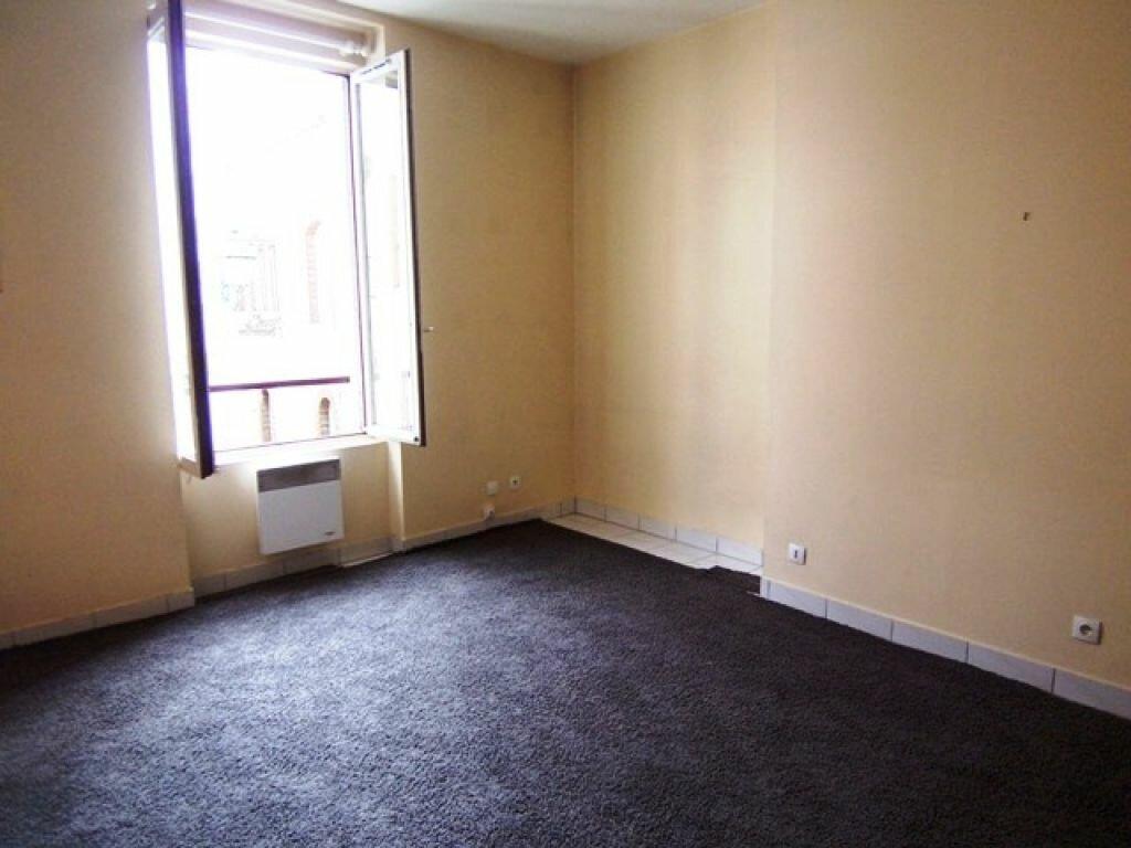 Appartement à louer 1 25m2 à Montargis vignette-1