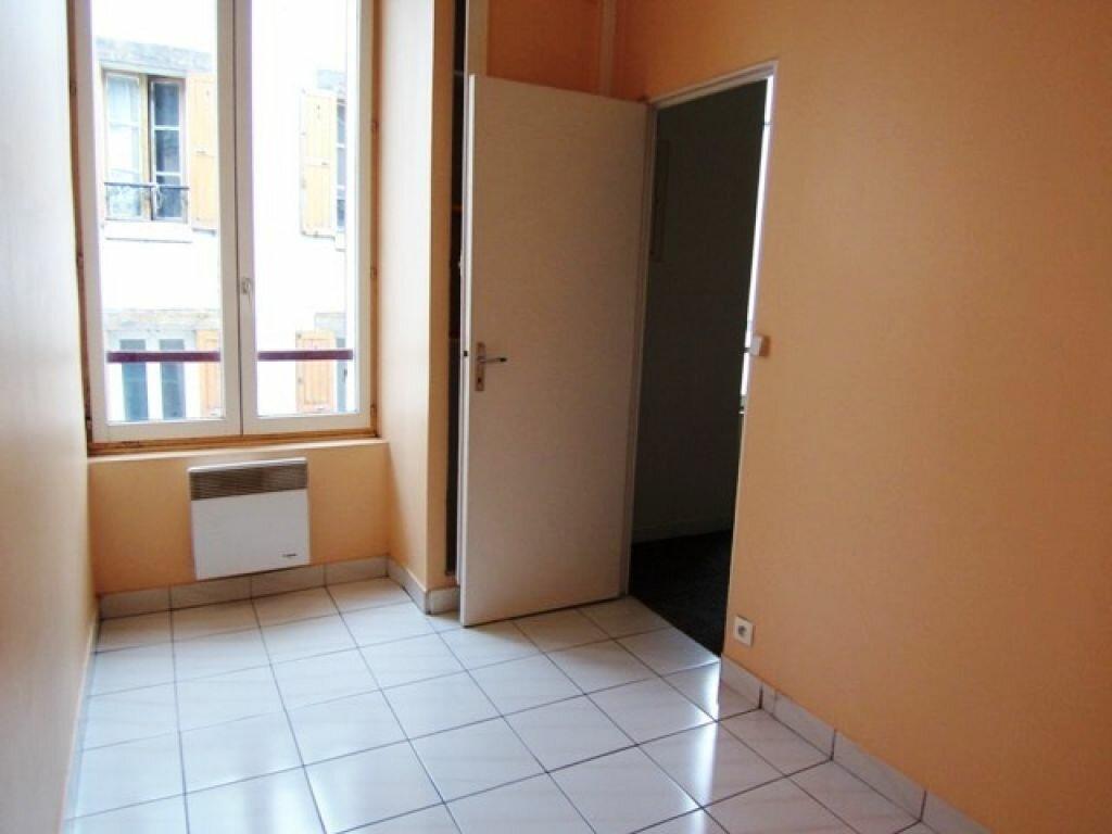 Appartement à louer 1 25m2 à Montargis vignette-4