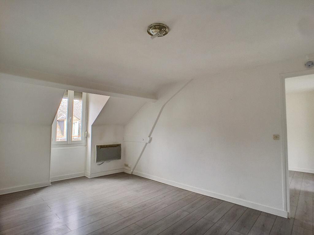 Appartement à louer 2 36.72m2 à Montargis vignette-1