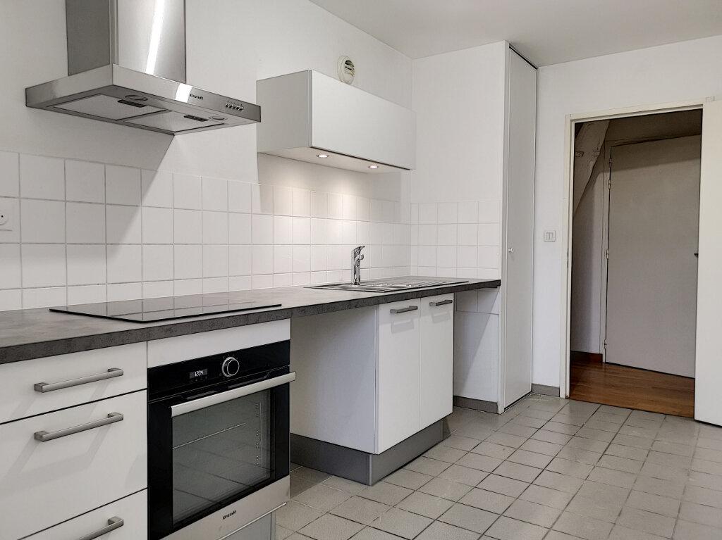 Appartement à louer 3 75m2 à Montargis vignette-2