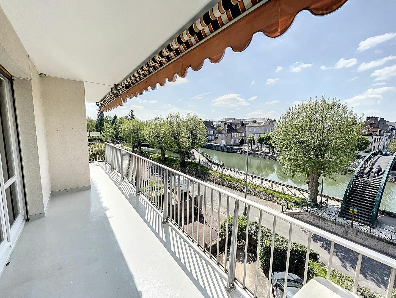 Appartement à louer 4 138m2 à Montargis vignette-1