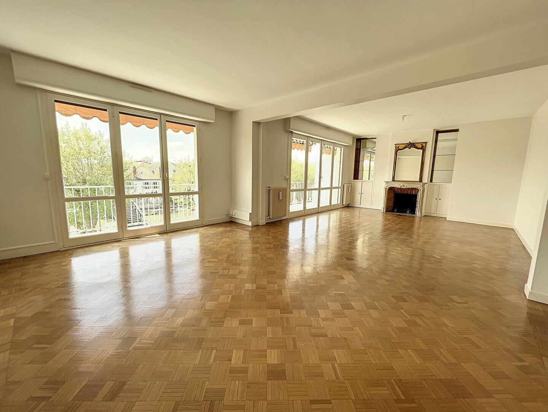 Appartement à louer 4 138m2 à Montargis vignette-3