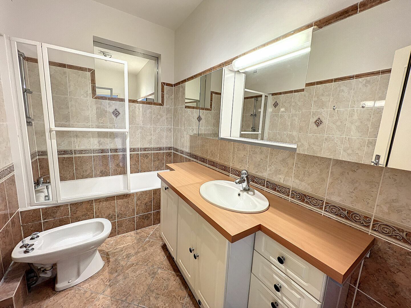 Appartement à louer 4 138m2 à Montargis vignette-5