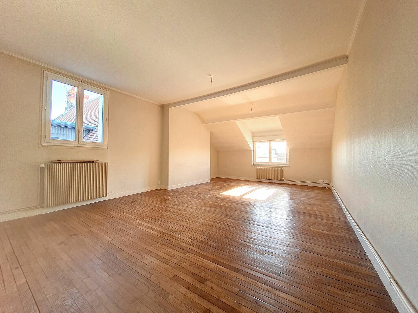 Appartement à louer 3 86m2 à Montargis vignette-2