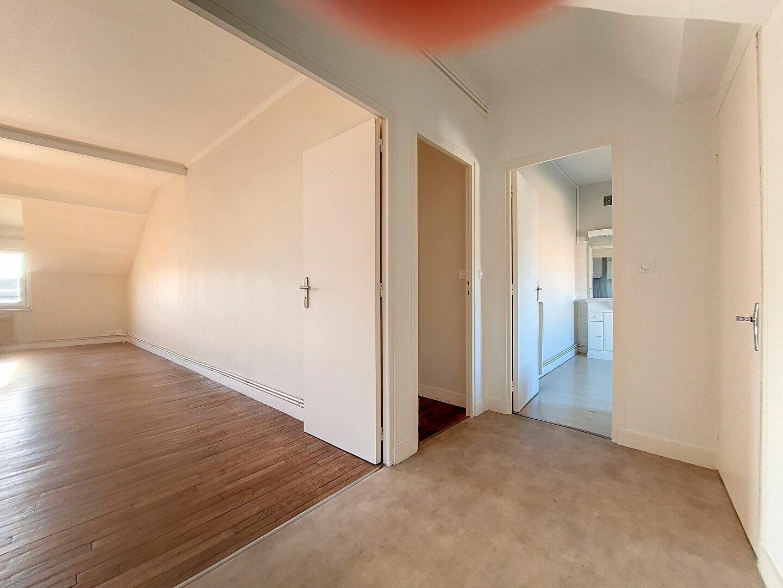 Appartement à louer 3 86m2 à Montargis vignette-5