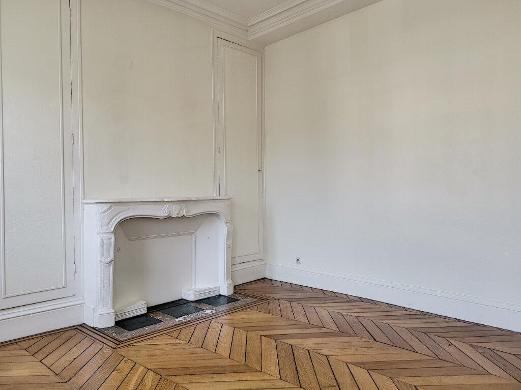 Appartement à louer 3 83m2 à Montargis vignette-2
