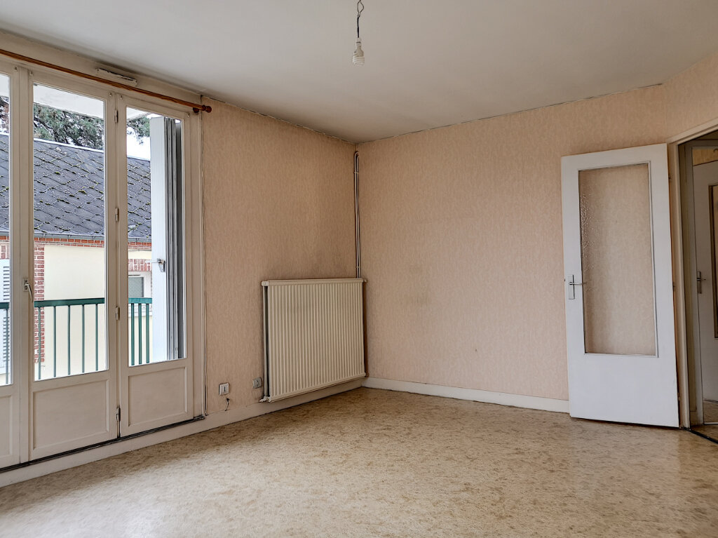 Appartement à louer 2 46m2 à Montargis vignette-2