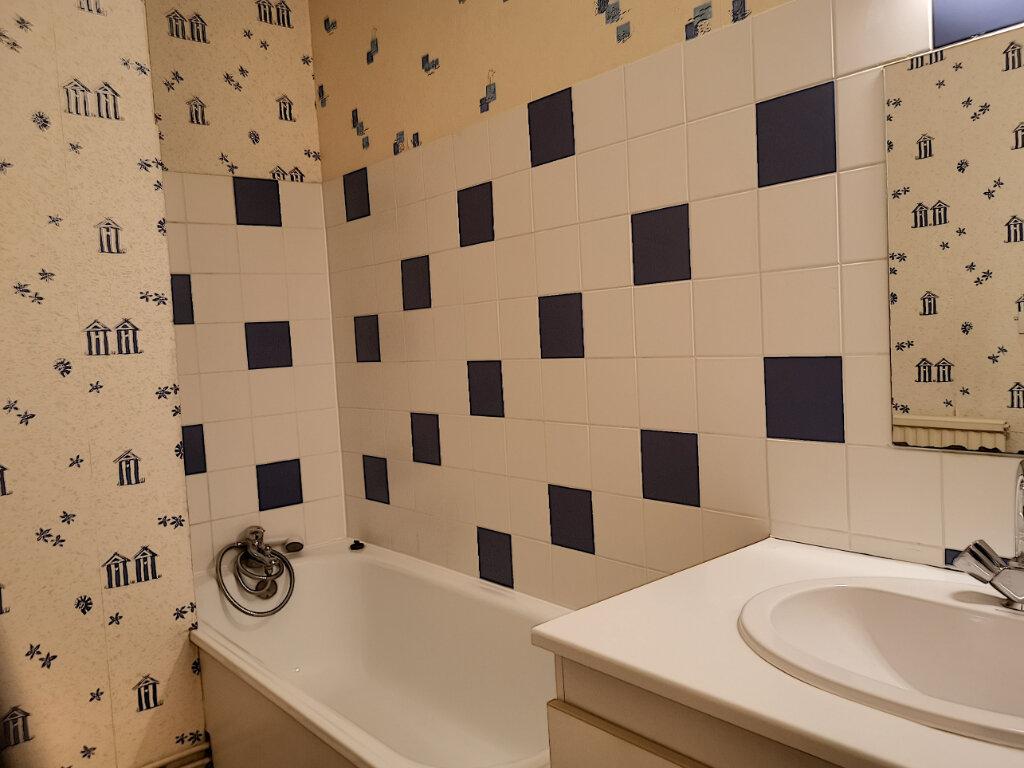 Appartement à louer 2 46m2 à Montargis vignette-5