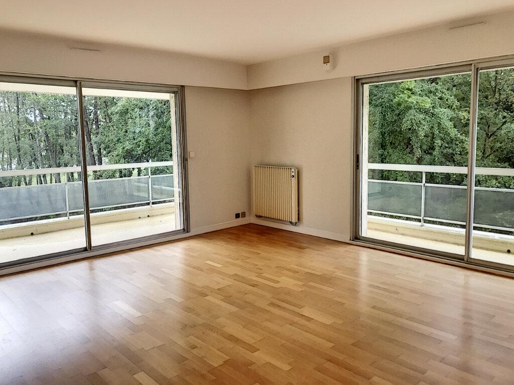 Appartement à louer 4 99m2 à Montargis vignette-1