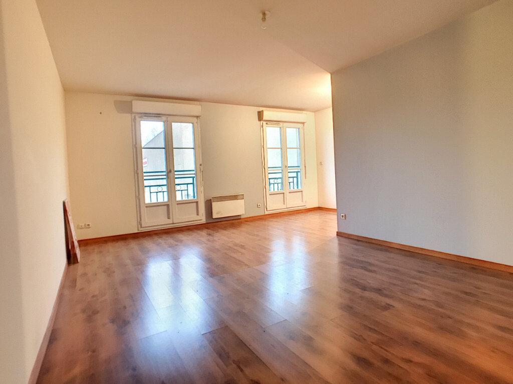 Appartement à vendre 3 65.58m2 à Montargis vignette-2