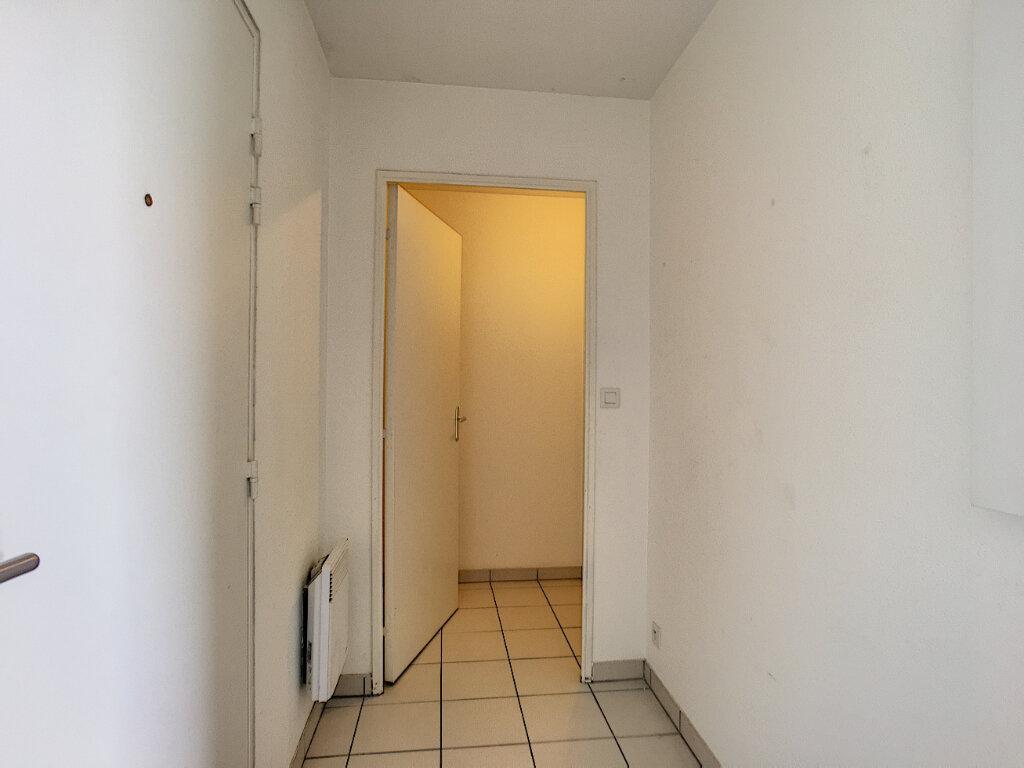 Appartement à vendre 3 65m2 à Montargis vignette-8