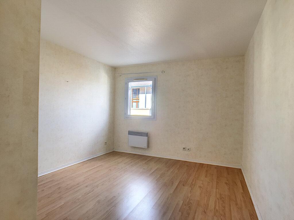 Appartement à vendre 3 65m2 à Montargis vignette-10