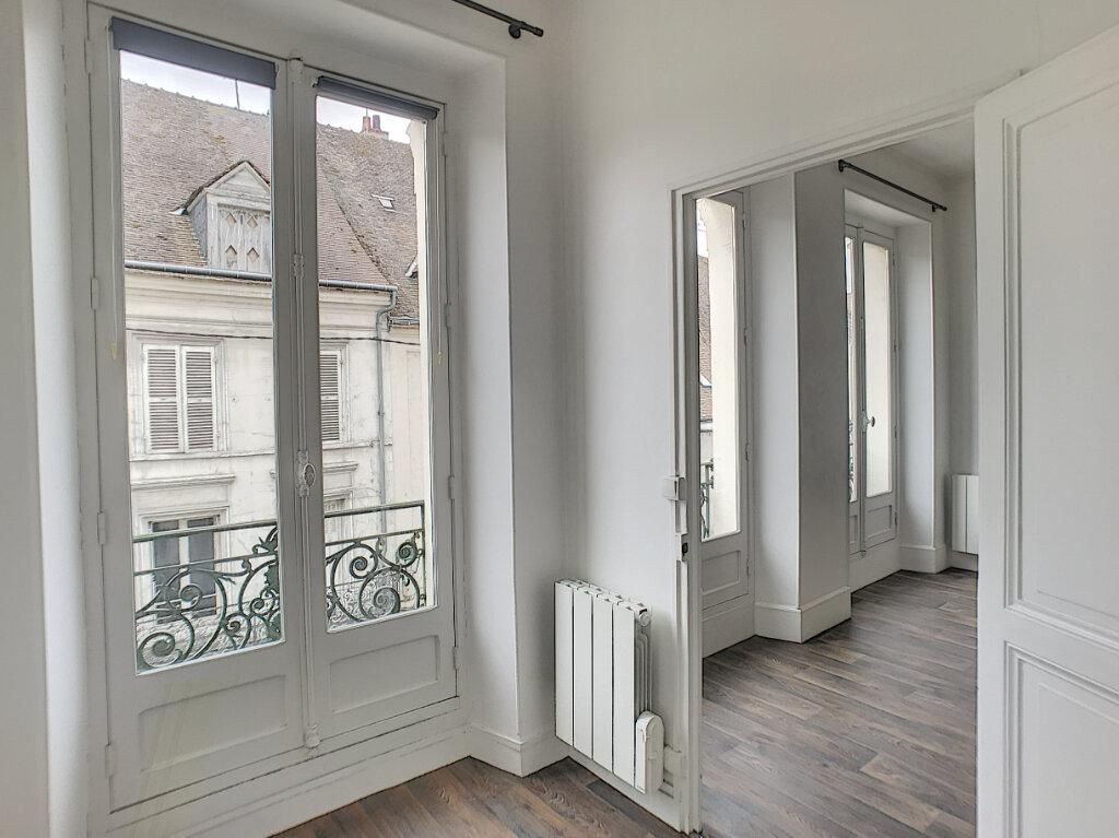Appartement à louer 2 48m2 à Montargis vignette-4