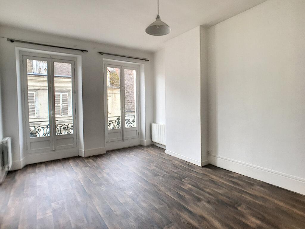 Appartement à louer 2 48m2 à Montargis vignette-5