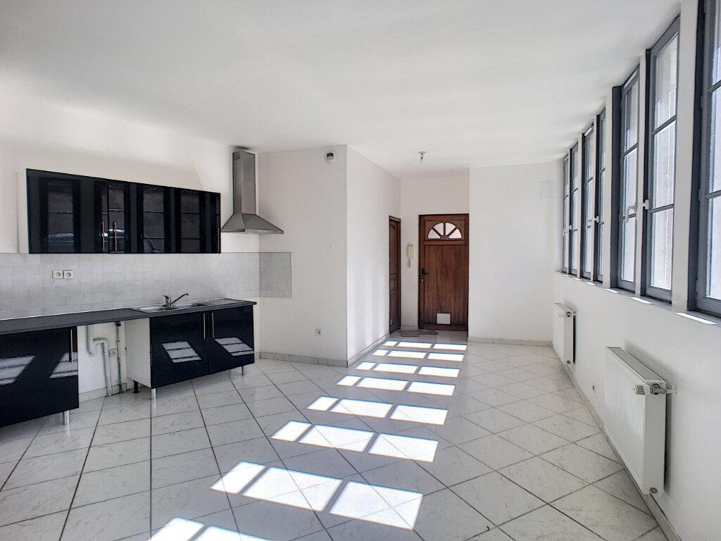 Appartement à louer 2 69.9m2 à Beaugency vignette-3