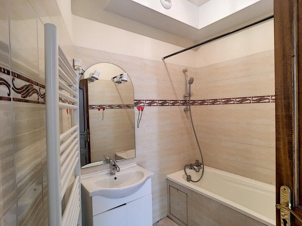 Appartement à louer 2 69.9m2 à Beaugency vignette-6