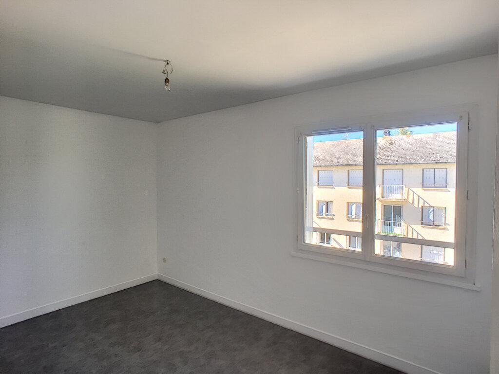 Appartement à louer 3 62m2 à Beaugency vignette-2