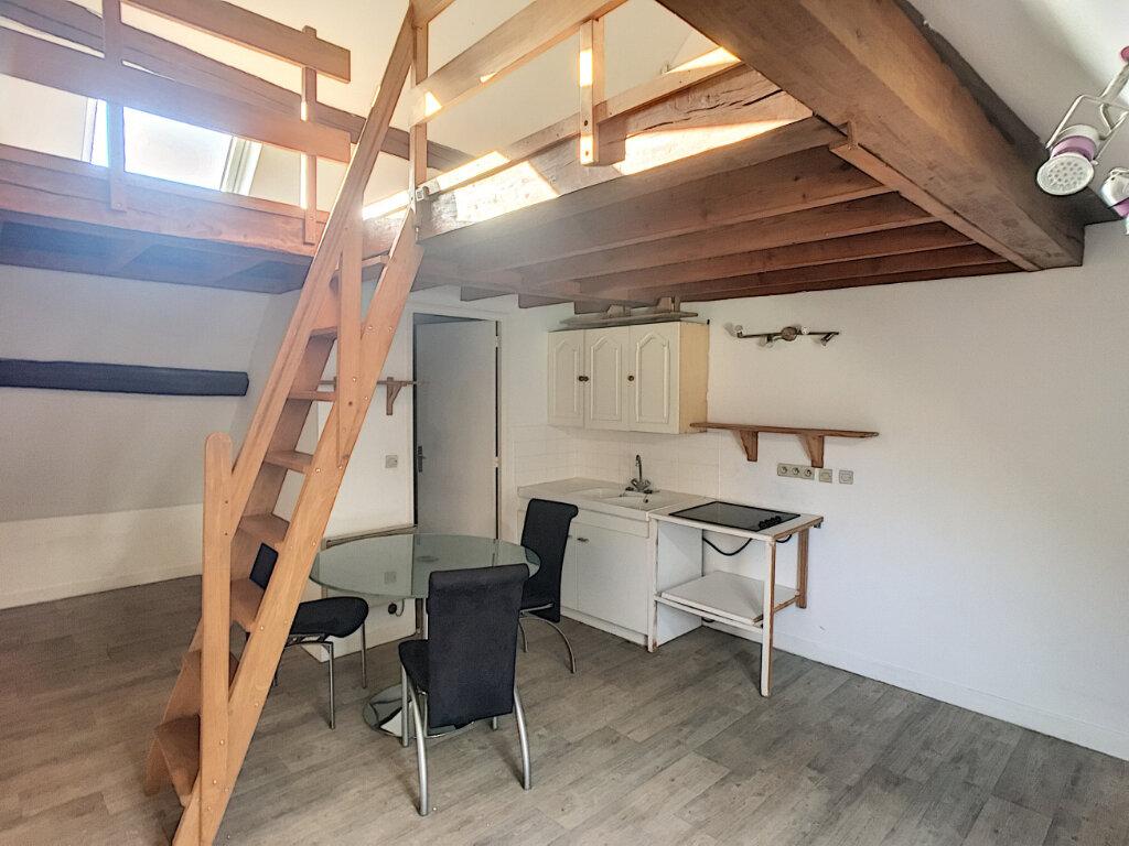 Appartement à louer 1 25.74m2 à Beaugency vignette-3