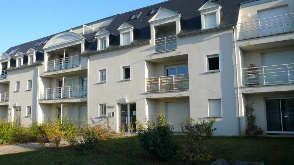 Appartement à louer 2 54.8m2 à Blois vignette-1