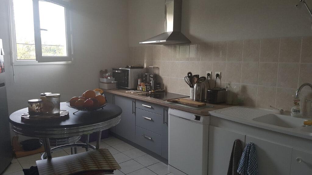 Appartement à louer 2 54.8m2 à Blois vignette-2