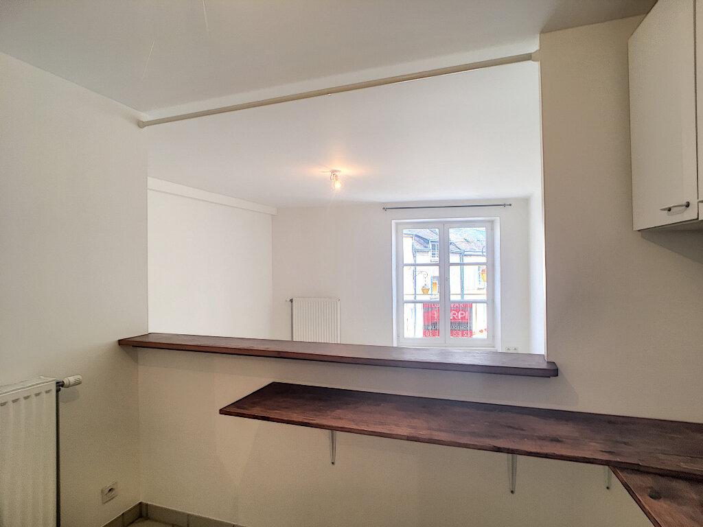 Appartement à louer 3 56.81m2 à Beaugency vignette-1