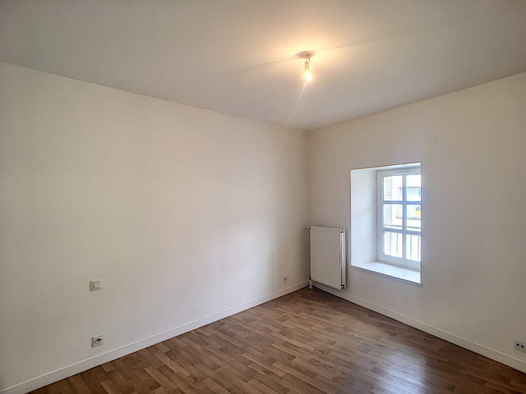 Appartement à louer 3 56.81m2 à Beaugency vignette-6