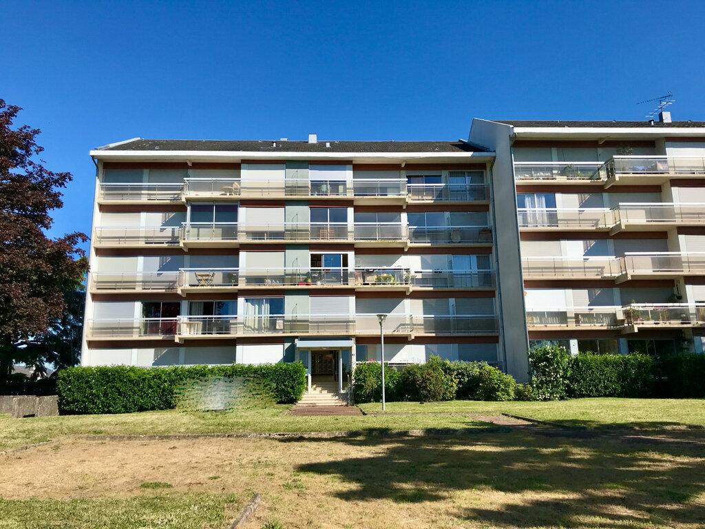 Appartement à louer 3 61.73m2 à Beaugency vignette-1