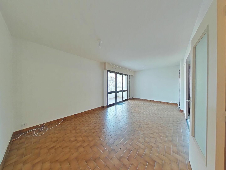 Appartement à louer 4 85m2 à Romans-sur-Isère vignette-1