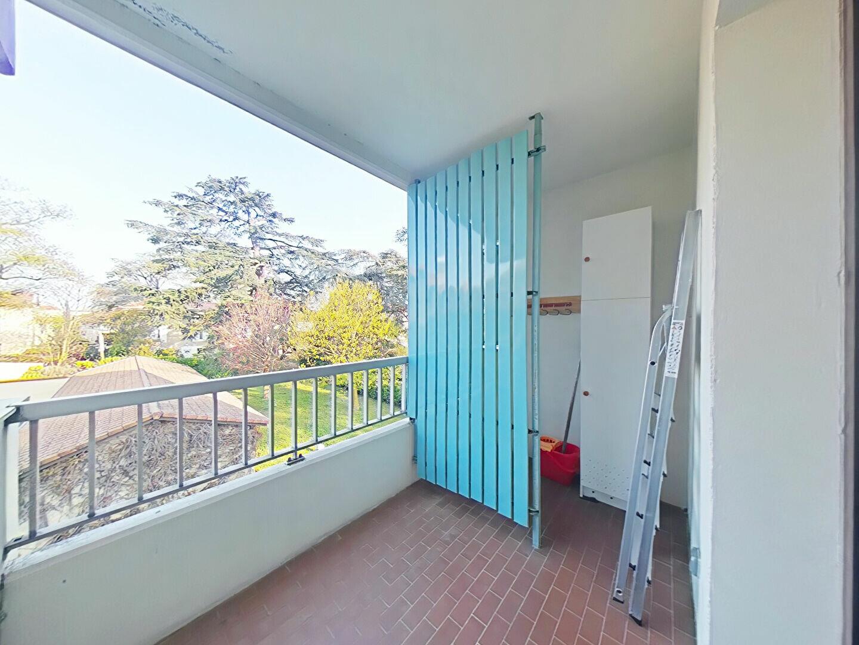 Appartement à louer 4 85m2 à Romans-sur-Isère vignette-3