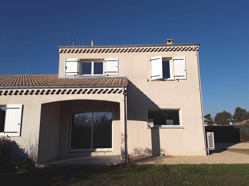Maison à louer 5 108m2 à Mours-Saint-Eusèbe vignette-6