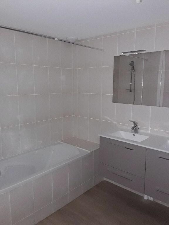 Appartement à louer 4 105m2 à Chatuzange-le-Goubet vignette-8