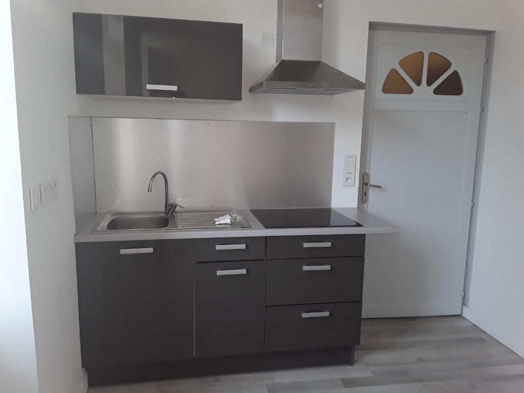 Appartement à louer 1 32m2 à Romans-sur-Isère vignette-3