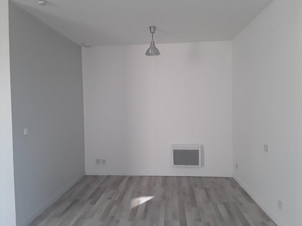 Appartement à louer 1 32m2 à Romans-sur-Isère vignette-5