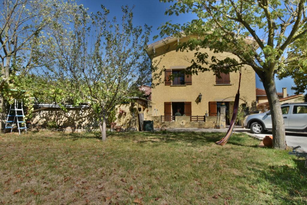 Maison à vendre 7 195m2 à Châteauneuf-sur-Isère vignette-1