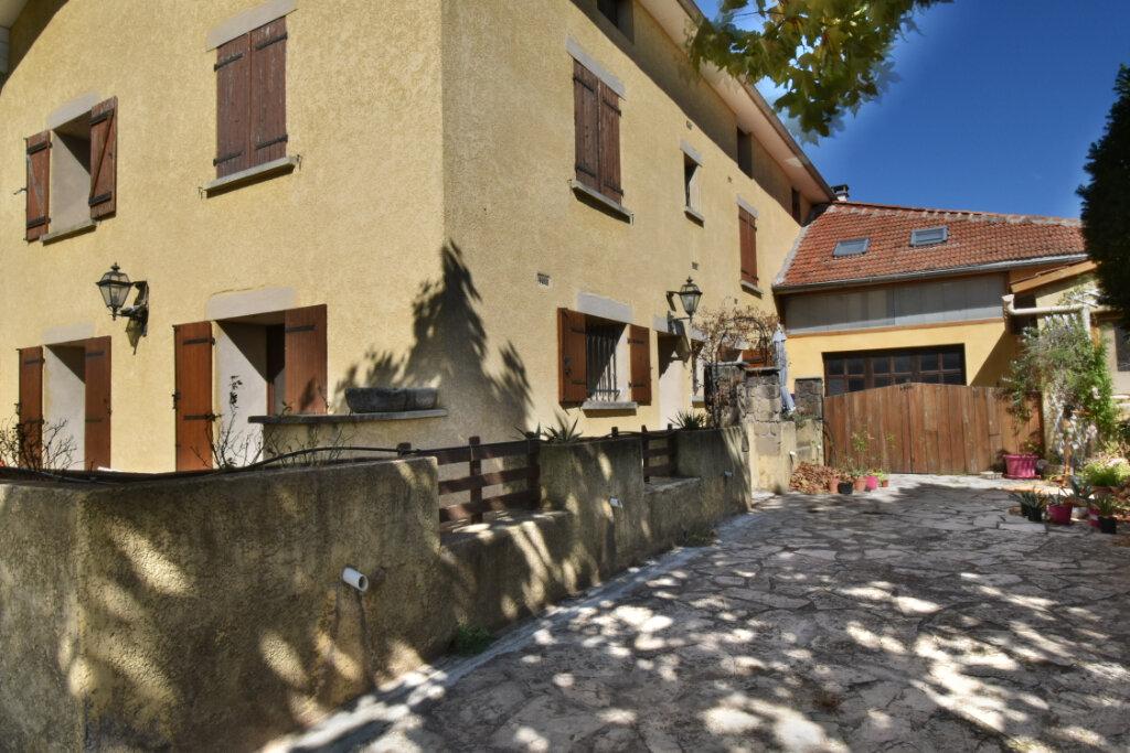 Maison à vendre 7 195m2 à Châteauneuf-sur-Isère vignette-3