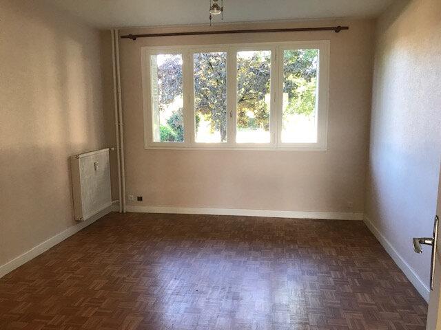 Appartement à louer 3 58.5m2 à Bourg-lès-Valence vignette-2