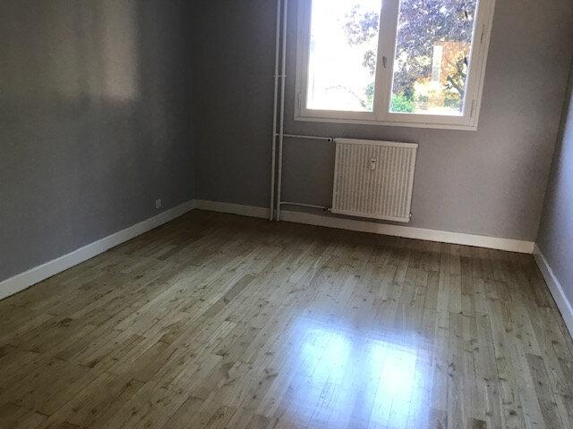 Appartement à louer 3 58.5m2 à Bourg-lès-Valence vignette-3