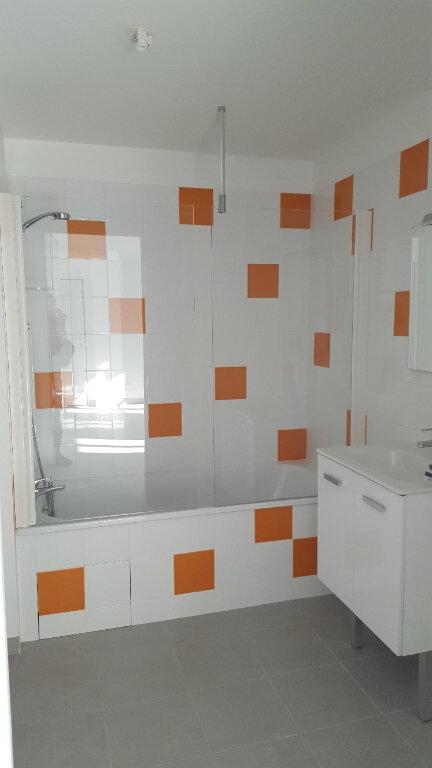 Appartement à louer 3 58.1m2 à Romans-sur-Isère vignette-5