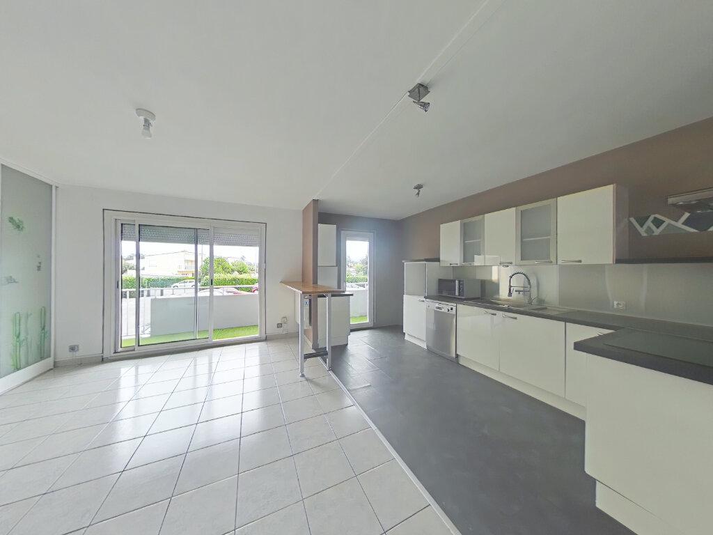 Appartement à louer 3 79.46m2 à Romans-sur-Isère vignette-1