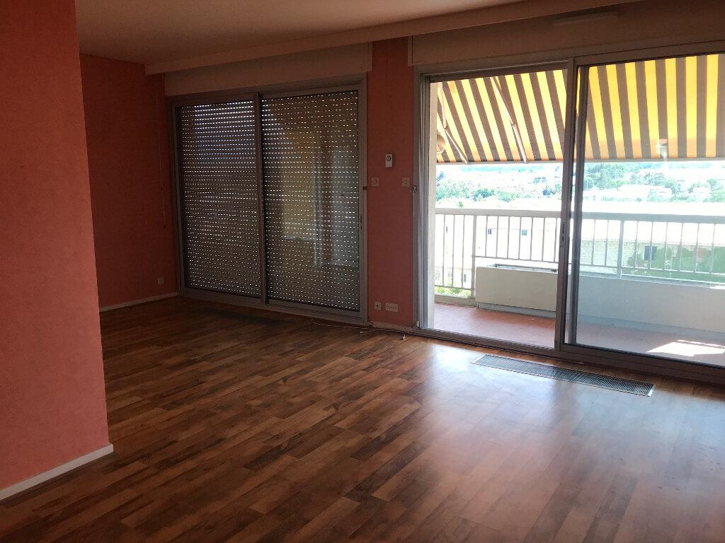 Appartement à louer 3 89m2 à Romans-sur-Isère vignette-4