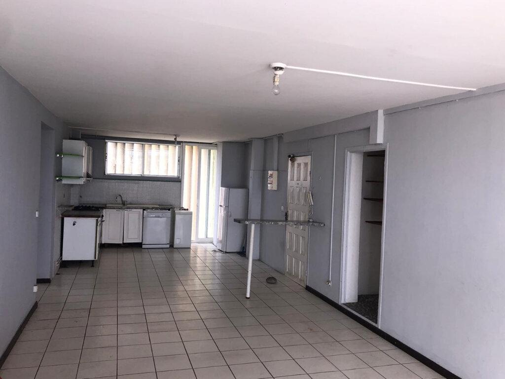 Appartement à vendre 5 106m2 à Pointe-à-Pitre vignette-1
