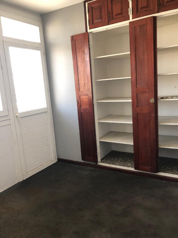 Appartement à vendre 5 106m2 à Pointe-à-Pitre vignette-9