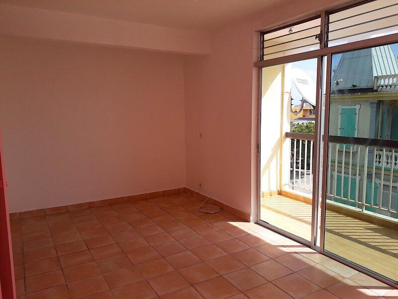 Appartement à louer 2 57.71m2 à Le Moule vignette-4