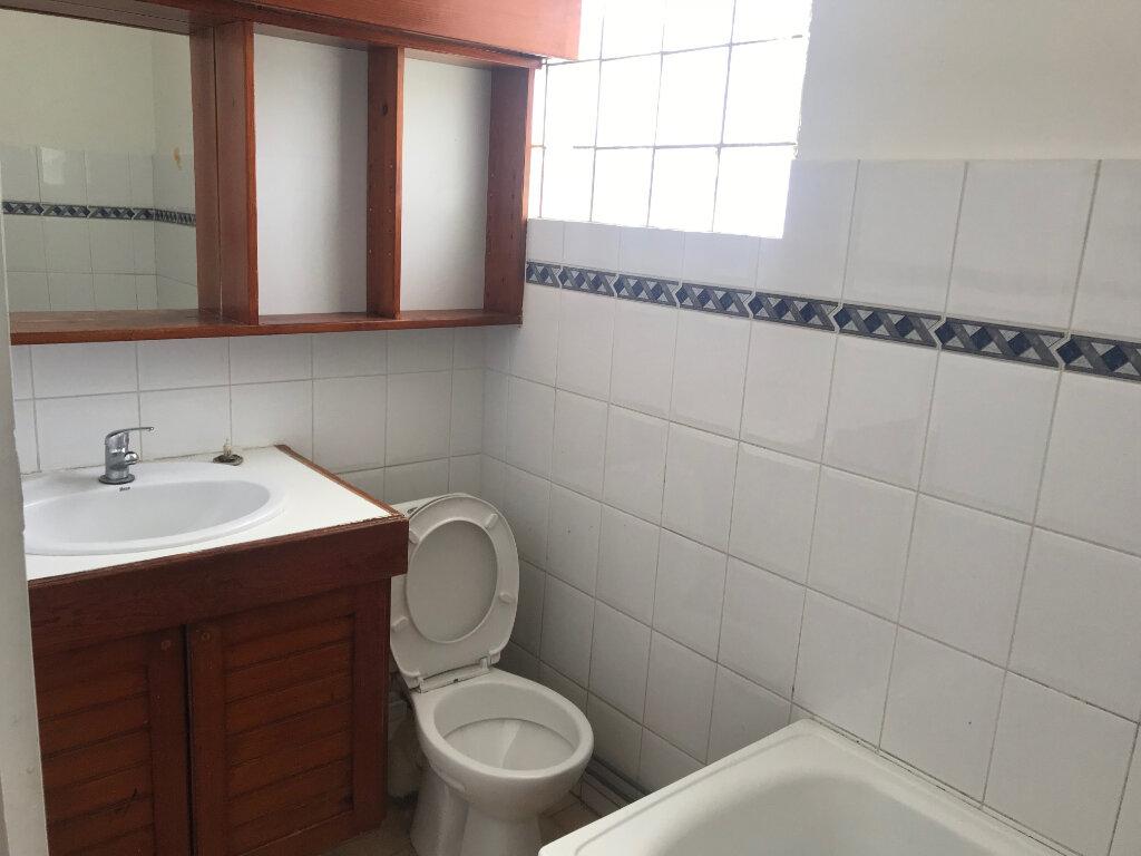 Appartement à louer 4 72.26m2 à Pointe-à-Pitre vignette-8