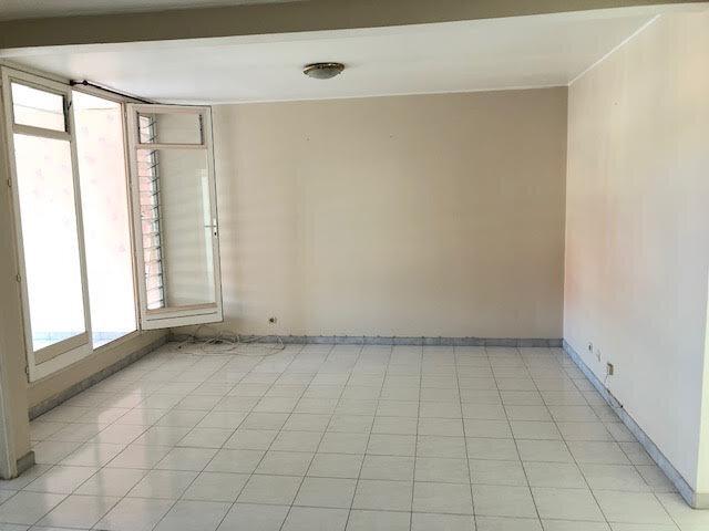 Appartement à vendre 3 60m2 à Pointe-à-Pitre vignette-2