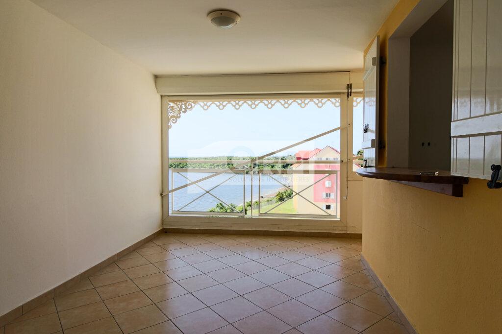 Appartement à louer 4 117.78m2 à Petit-Bourg vignette-4