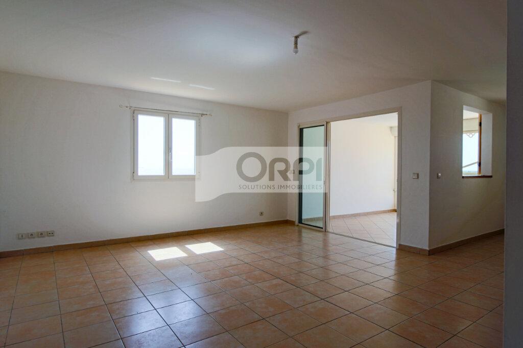 Appartement à louer 4 117.78m2 à Petit-Bourg vignette-7