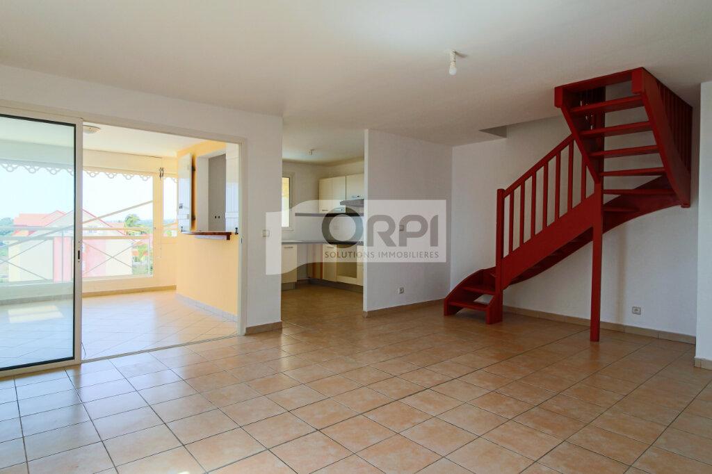 Appartement à louer 4 117.78m2 à Petit-Bourg vignette-8