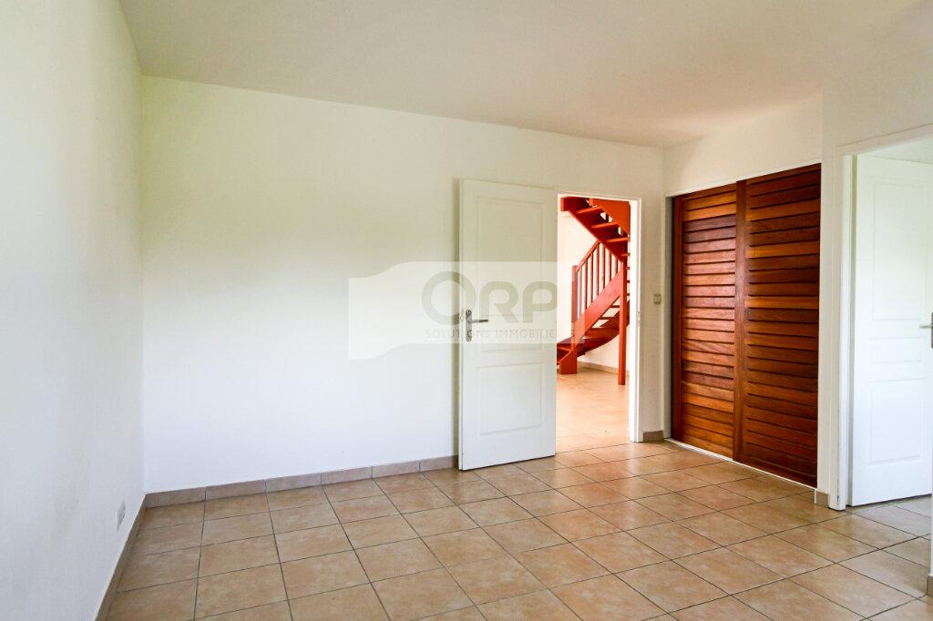 Appartement à louer 4 117.78m2 à Petit-Bourg vignette-10