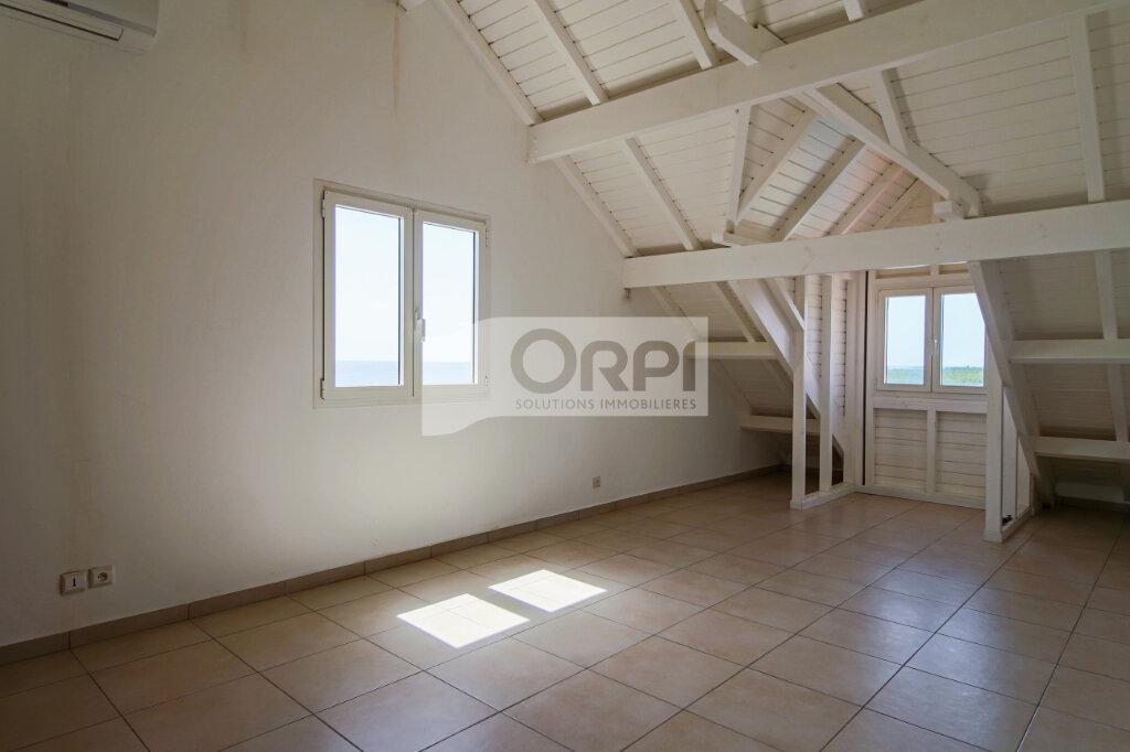 Appartement à louer 4 117.78m2 à Petit-Bourg vignette-12